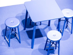 Blue palett and table