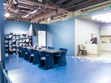 A blue diningroom
