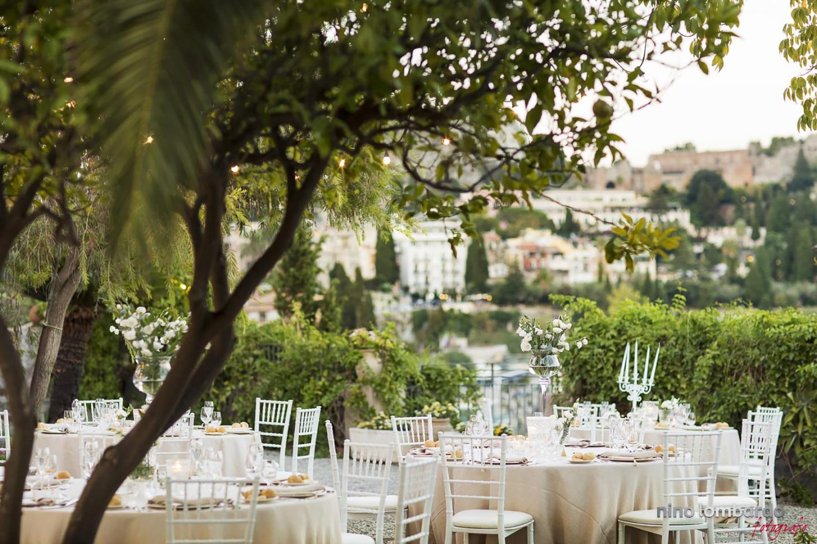 Photographer for Wedding in Taormina Sicily, realized photo shoot candid and elegant with photojournalism style in Hotel Timeo and San Domenico Palace