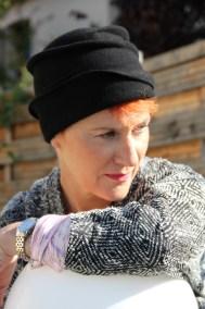 chapeau-bonnet-noir-ninou-laroze