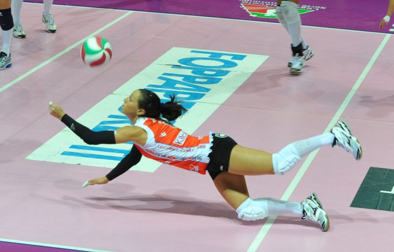 La defensa en voleibol: notas generales y técnica de base