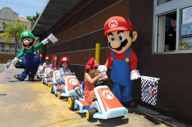 mcdonalds-mario-kart-8-happy-meal-photo-5