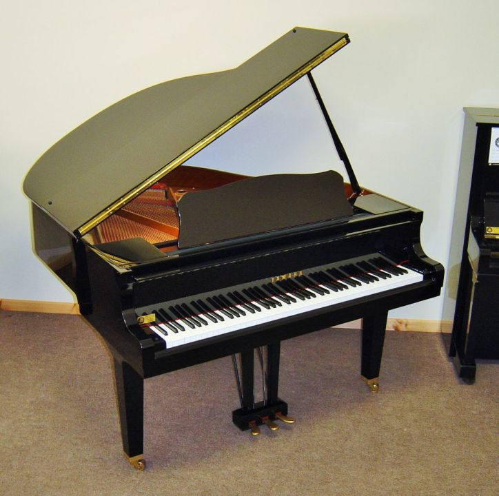 Yamaha GB1 Baby Grand (2)