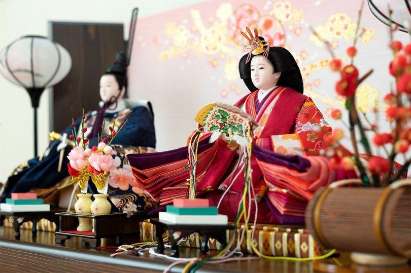 Poupées exposées pour Hinamatsuri le 3 mars.