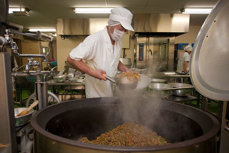 (趣聞)孩子們的午餐 營養午餐 | Nippon.com