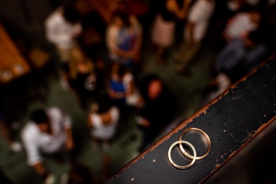 Los anillos de los novios post civil
