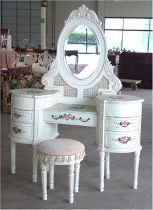 _classic-white-dressing-table-and-chair-