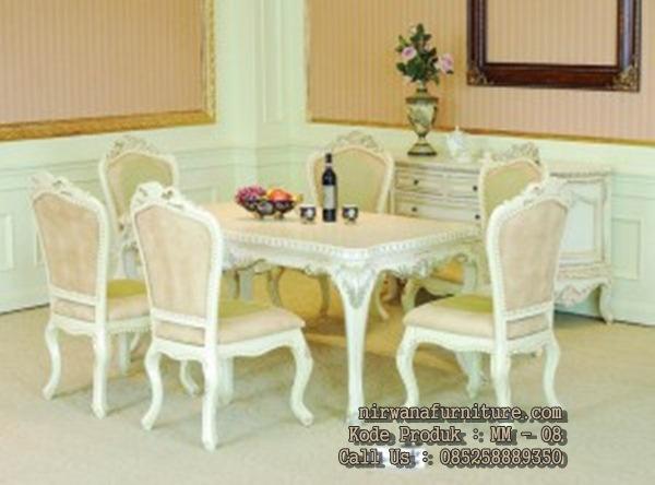 meja makan klasik mewah