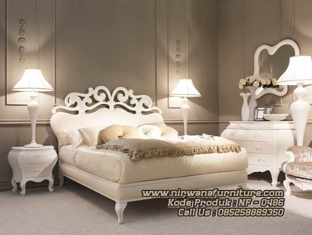 Luxury Style Tempat Tidur Kamar Utama