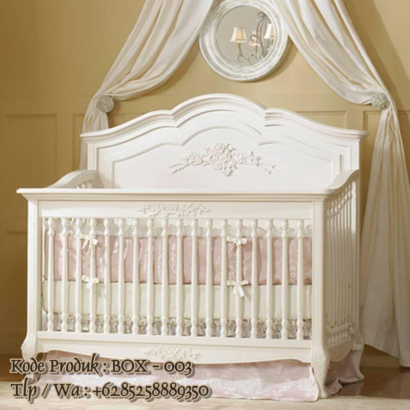 tempat tidur bayi