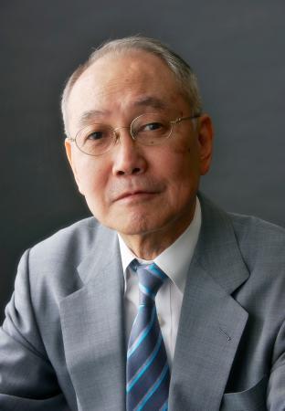 旭日小綬章に決まった作家の宮本輝さん 寫真 【西日本新聞 ...