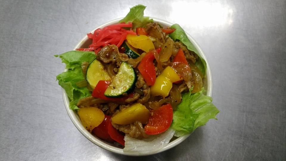 夏野菜肉丼