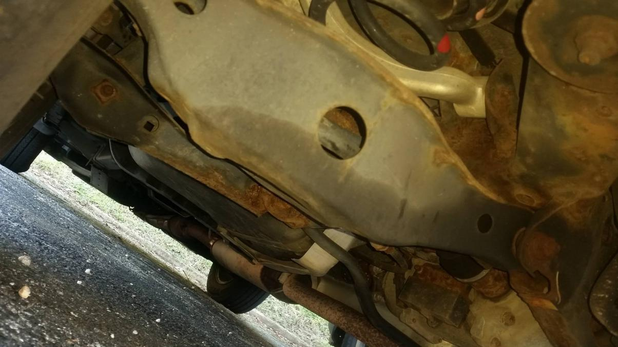 Nissan Murano With A Rusted Subframe