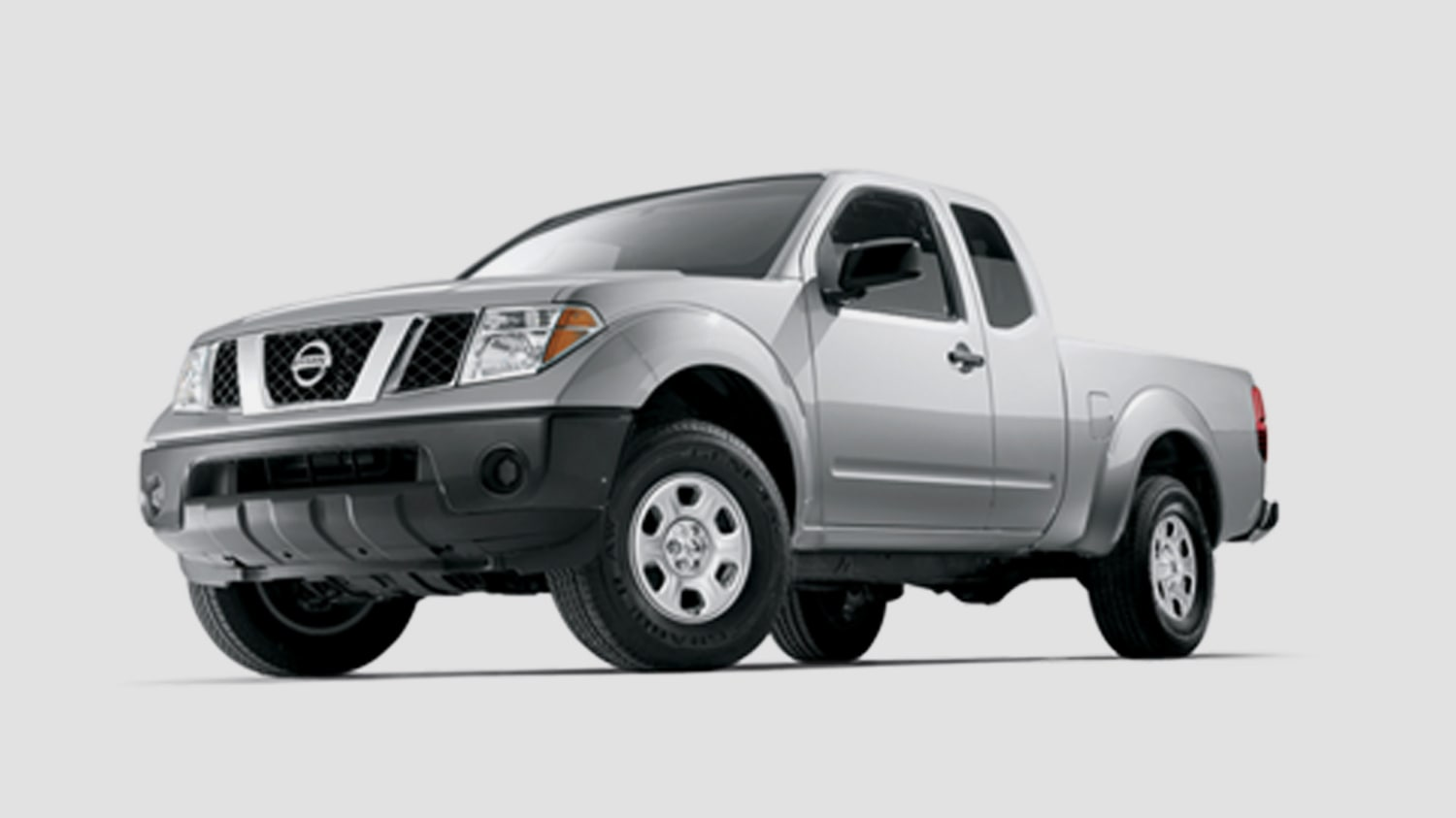 hight resolution of nissan 2005 frontier in silver
