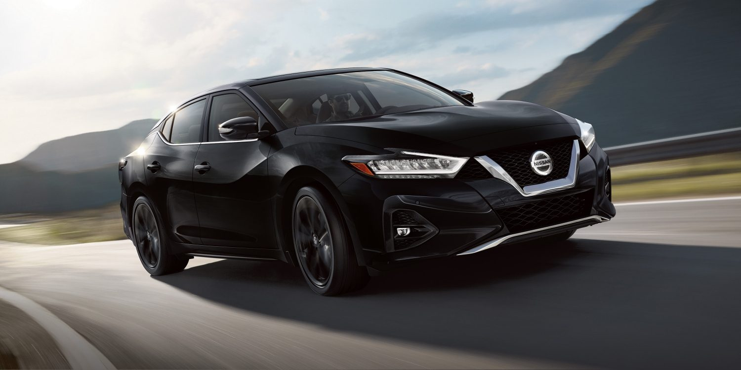 hight resolution of 2019 nissan maxima in super black on curving road