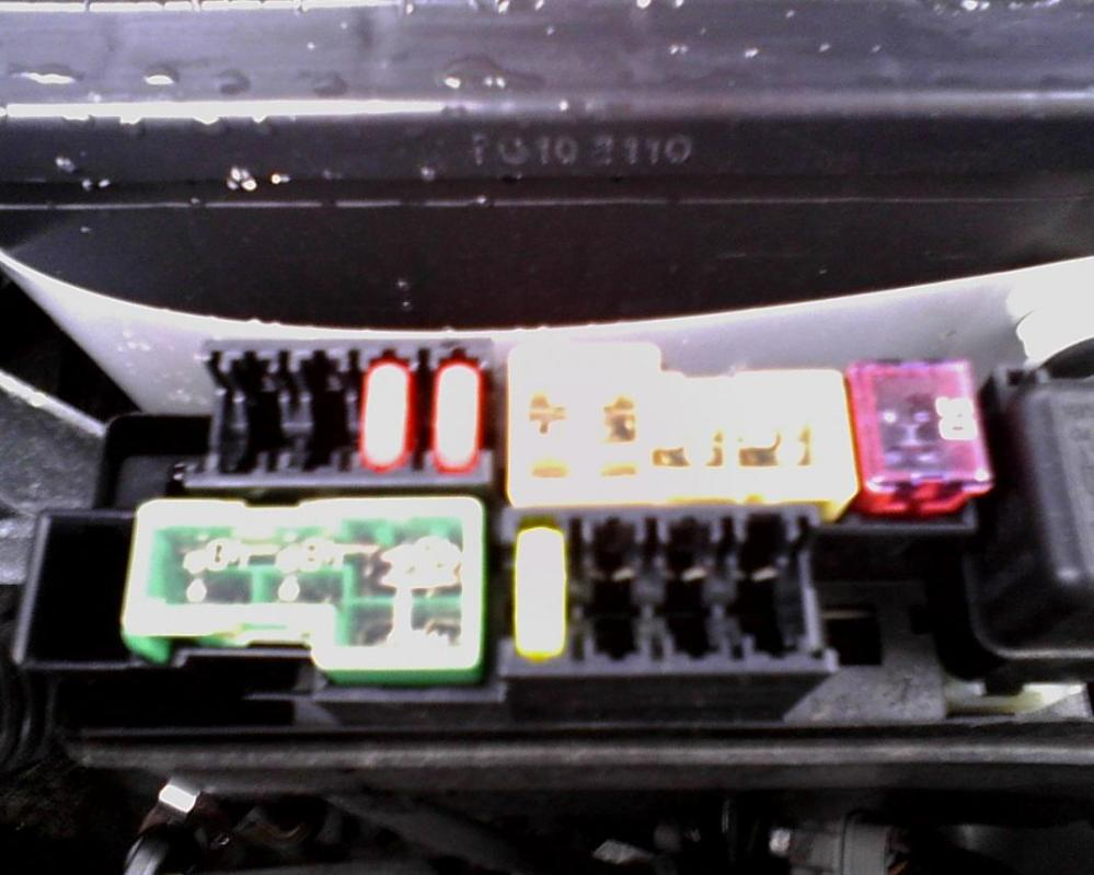 medium resolution of fuse module locations pics nissan versa forums 2009 lincoln mks fuse box click image