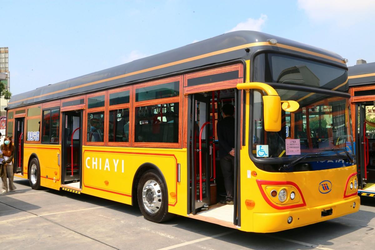 屏東公車讓絕美名畫走上街頭,嘉義推英倫風電動公車!最美公車讓城市通通變成美術館啦 | 屏東公車,嘉義 ...