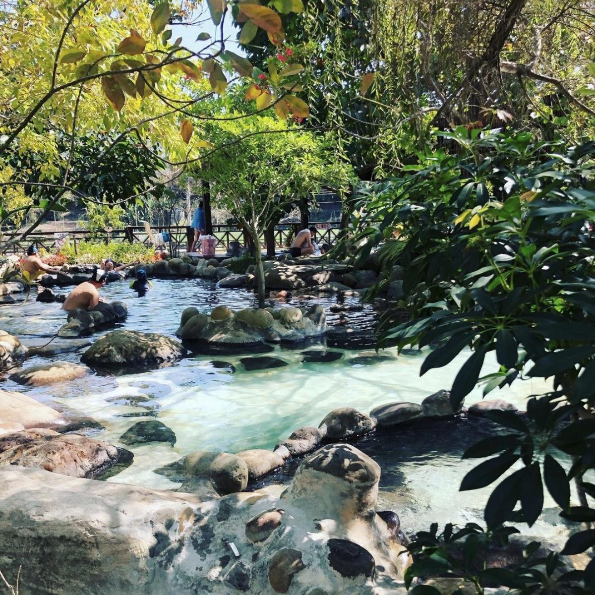 來場秘境溫泉之旅!特蒐臺灣6個「溫泉景點」。絕美藍色溫泉、夢幻玻璃湯屋必去!   溫泉、秘境、打卡景點 ...