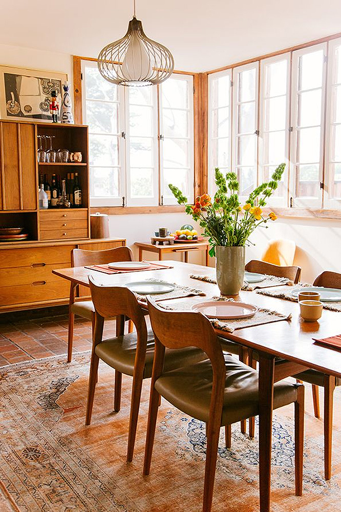 fresh flowers in dining room