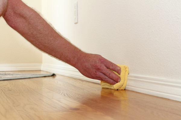 Cleaning Baseboard