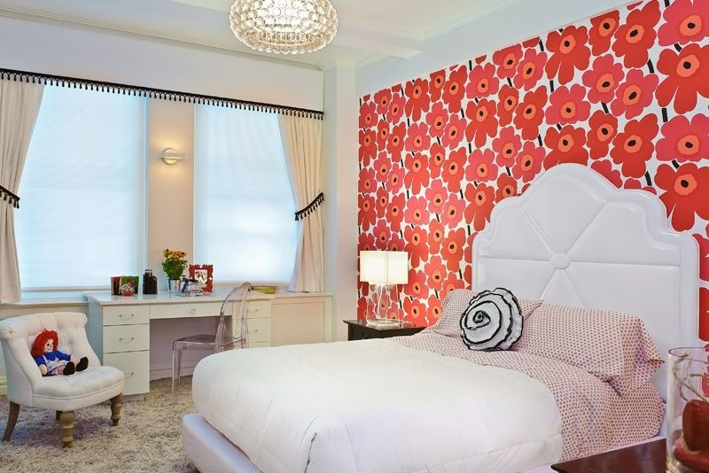 contemporary-kids-bedroom-with-wallpaper-i_g-IS-puhnf64u20kd-nc89B