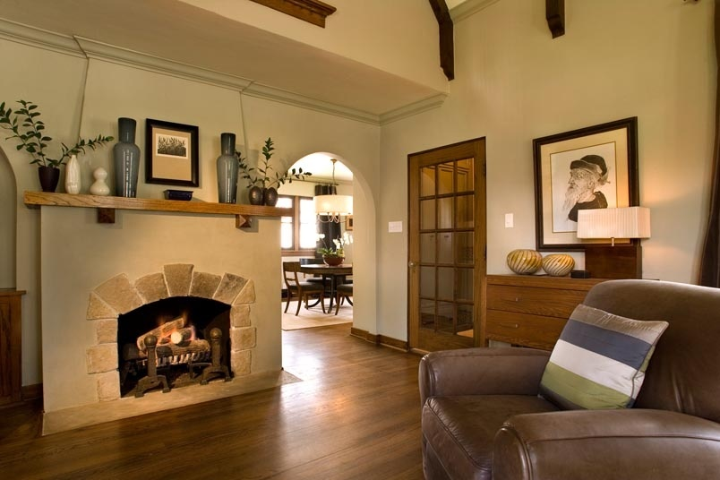 country-living-room-with-fireplace-mantel-i_g-IS52d5gbt1yoc70000000000-P13lP