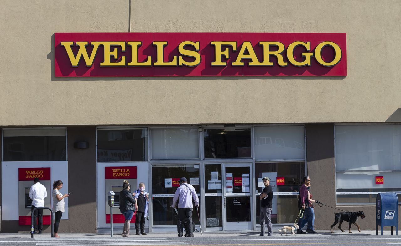 While running up credit card debt you can't immediately pay off is generally not a good idea, you may simply need a new ca. Wells Fargo To Shut Down All Personal Credit Lines Here S Why That Can Hurt Your Credit Score Nj Com