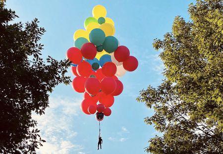 David Blaine will try to float across Hudson River using balloons ...