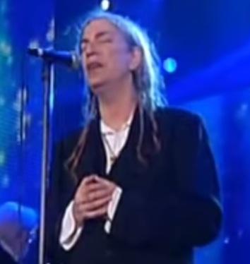 """Patti Smith sings """"O Holy Night."""""""