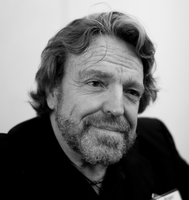 Internet pioneer, songwriter John Perry Barlow dies at 70