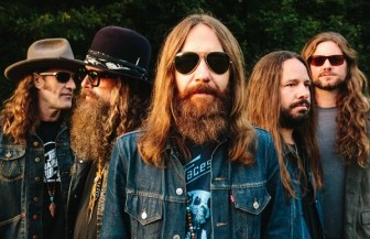 rock ribs ridges blackberry smoke