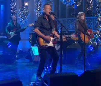 Springsteen Performs Ghosts And I Ll See You In My Dreams On Snl Njarts Netnjarts Net