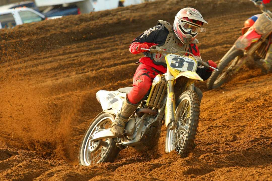Barry Carsten is back for another season of racing on his familiar Suzuki. Carsten won both the 30+ and 40+ Expert classes on Opening Day.