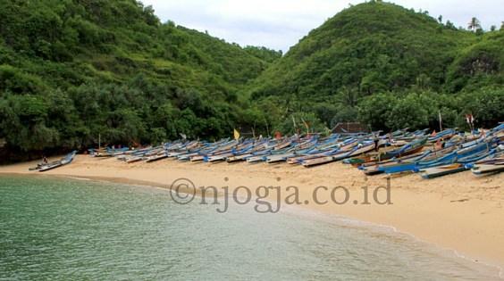 Pantai Ngrenehan, Saptosari, Gunung Kidul, Yogyakarta