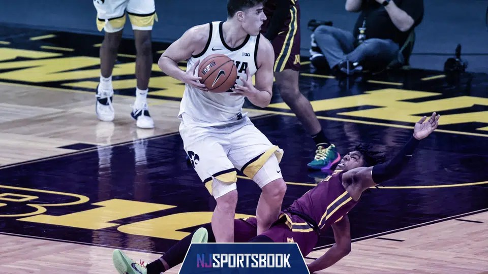 The No. 5 Iowa Hawkeyes visit the Northwestern Wildcats for a key Big Ten contest on Sunday.