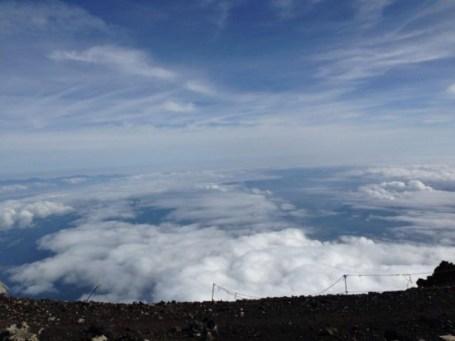 富士山山頂から-550x412