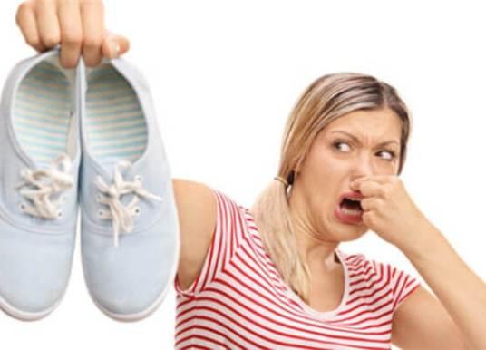 Ayakkabı Kokusu Nasıl Giderilir? Nasıl Çare Bulunulur?
