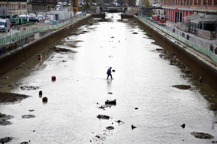 Paris Saint-Martin Kanalından Çıkanlara Hayret Edeceksiniz!