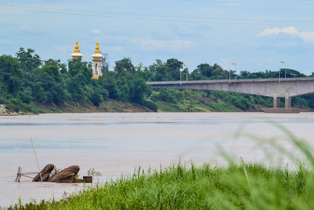 รอยพระพุทธบาทเวินปลา-สะพานมิตรภาพไทยลาว-นครพนม