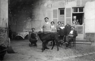 Anonymous photographer, Italy, early 20th century.