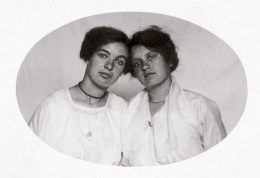 Anonymous photographer but two names were written on the back of the picture: Mina Kesteloo and Jannetje Stam. The Netherlands, early 20th century.