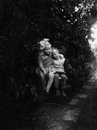 Anonymous photographer and children. The Netherlands, early 20th century.