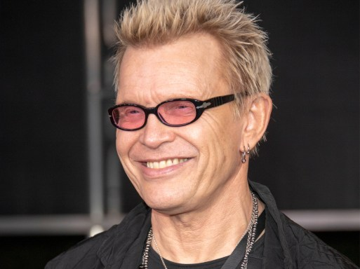 Billy Idol auctions off Aussie meet & greet packages for bushfire relief