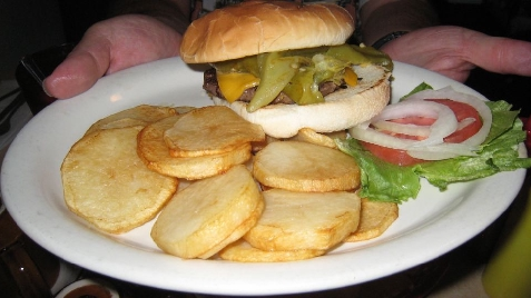 Cheeseburger with green chile strips
