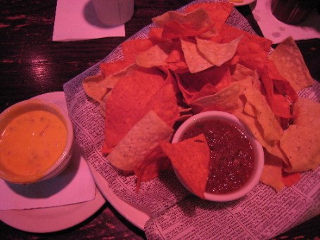 Salsa, chips and con queso