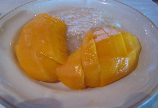 Mangoes and sticky rice