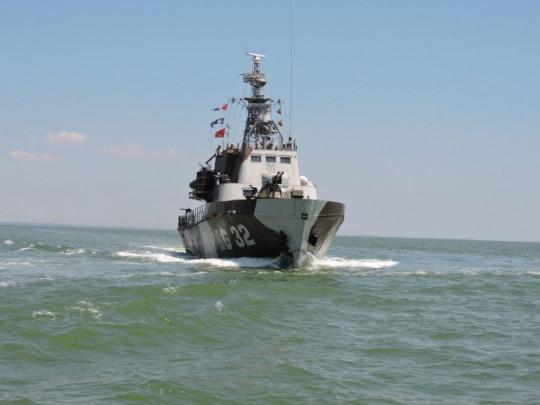 Нахабство окупантів у Азовському морі: Російські прикордонники в територіальних водах України захопили очаківських рибалок