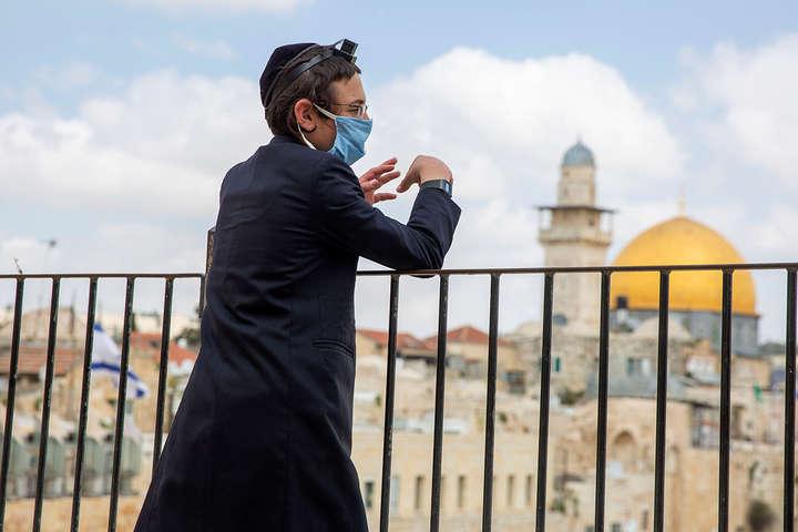 Наслідки жорсткого карантину і масової вакцинації проти COVID-19: Ізраїль скасовує обов'язковий масковий режим на відкритому повітрі