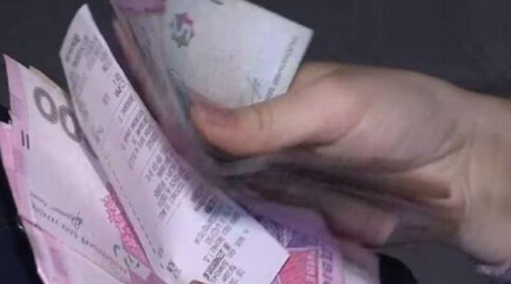 Проєкт бюджету-2022: Мінімальна зарплата зросте на 200 гривень наприкінці року