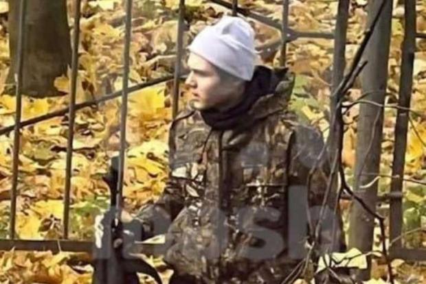 Москва: Підліток біля школи влаштував стрілянину з автомату. Піднялась паніка